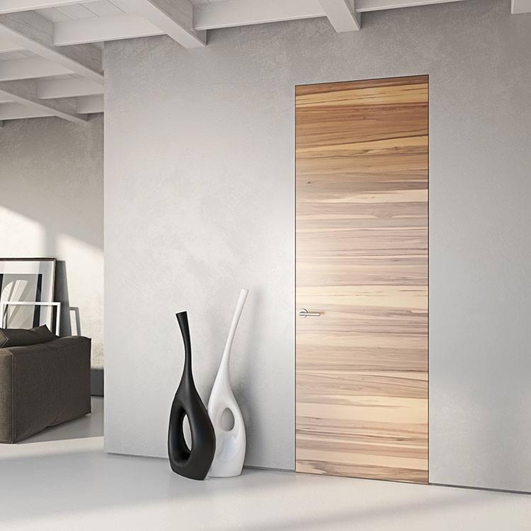Скрытая шпонированная дверь в стиле ЛОФТ