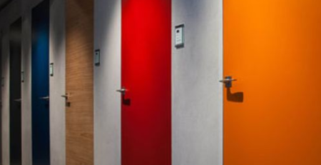 Скрытые двери без наличников