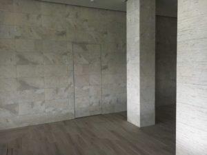 Скрытая Дверь secret pride door облицовка керамической плиткой